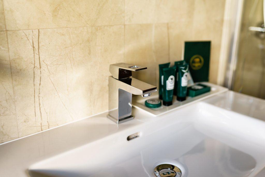 tower-suite-lavabo